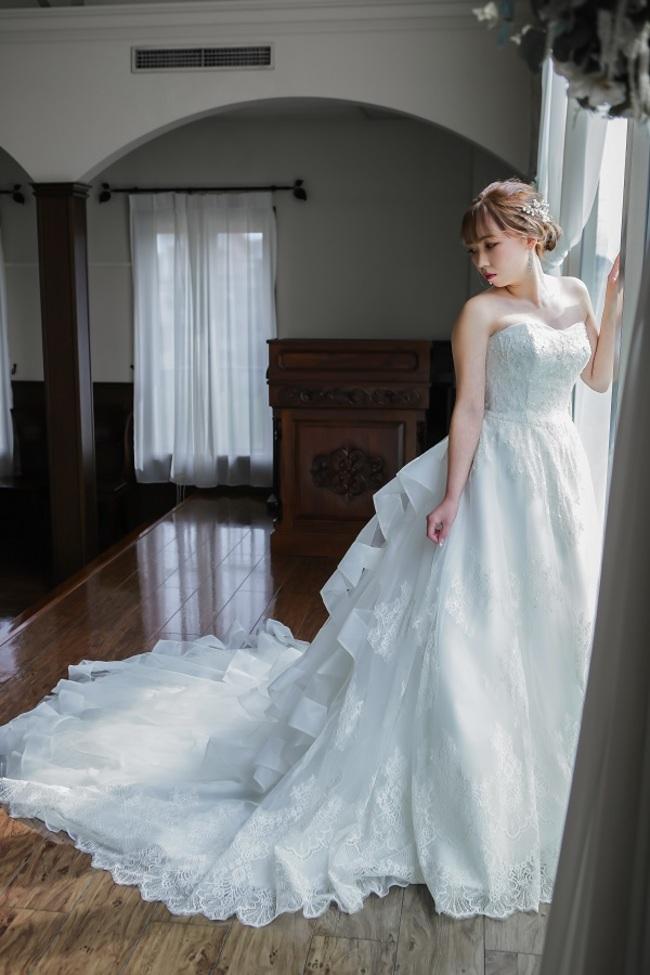 N【1309】トレーン長め×ドレス