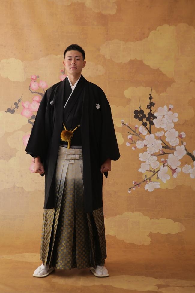 N【8001】袴-黒×ゴールド-